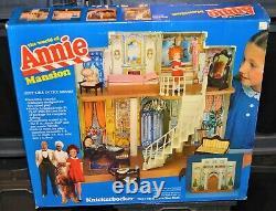 1982 The World of Annie Mansion Knickerbocker Doll House MIB playset NEW vintage