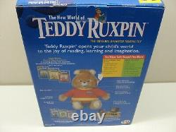 1998 NEW THE NEW WORLD OF TEDDY RUXPIN With LIMITED EDITION BEANIE