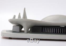 KODAK SCALE MODEL OF THE 1964-65 NEW YORK WORLD'S FAIR PAVILION/cks/202000