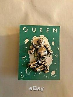 Queen News Of The World Elektra Promotional Pin Very Rare 1977 Queen Logo
