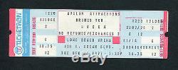 1977 Billet De Concert Complet Inutilisé De La Reine Long Beach Arena Nouvelles De La Tournée Mondiale