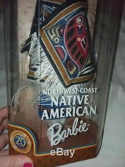 1999 Côte Nord-ouest Amérindien Barbie Doll Du Monde Nouveau Dans L'encadré