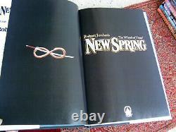 L'oeil Du Monde Les Romans Graphiques En Six Volumes Et New Spring, Le Prequel