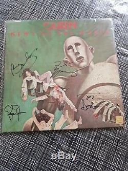 La Reine A Signé Vinylnews Of The World. Lp