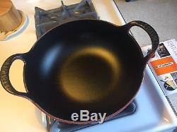 Nouveau Le Creuset Balti Curry Dish 9 Rouge 3 Qt Cerise Cerise, Cuisines Du Monde